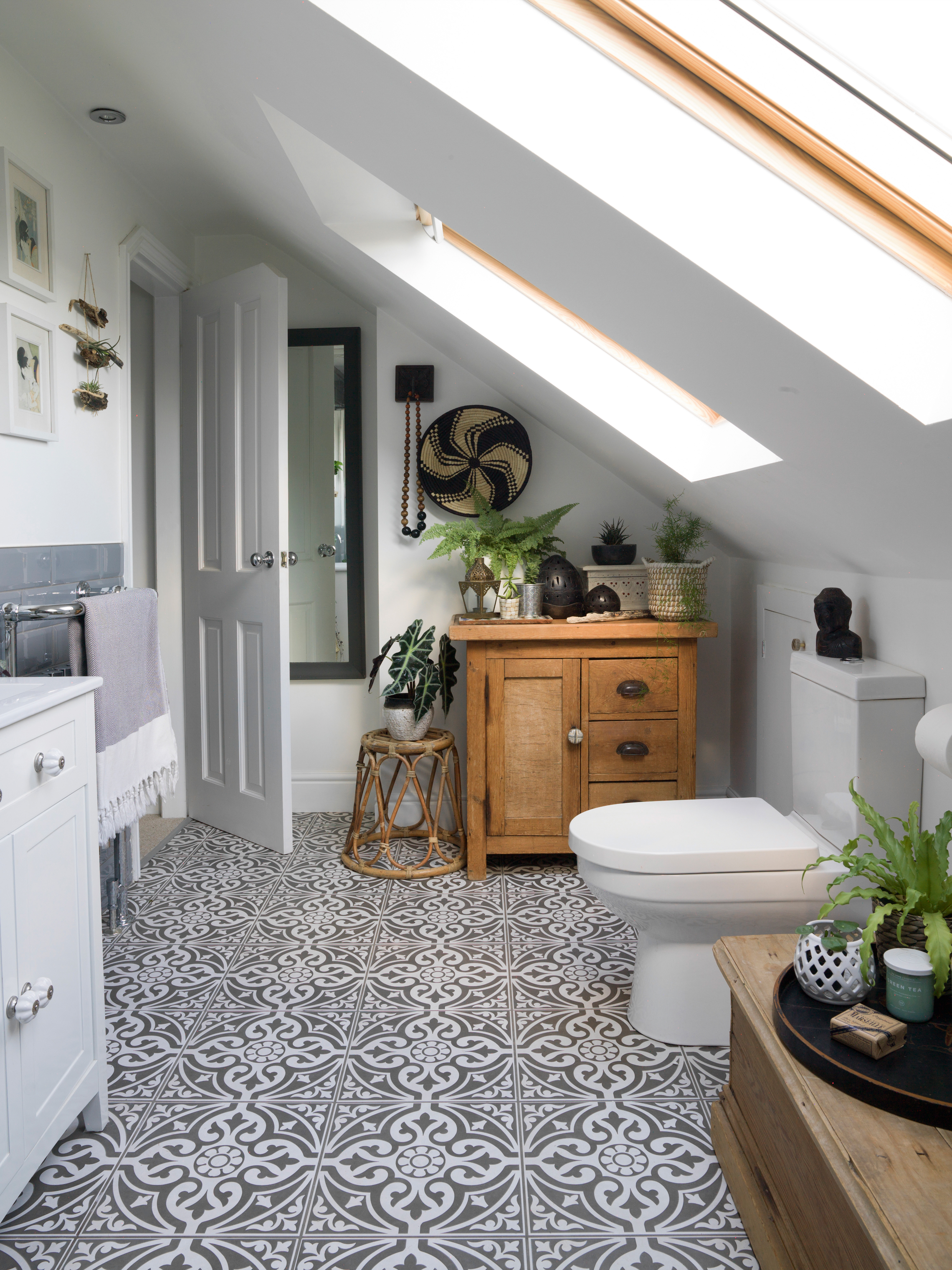 30 Small Bathroom Ideas To Make The Most Of Your Tiny Space Real Homes