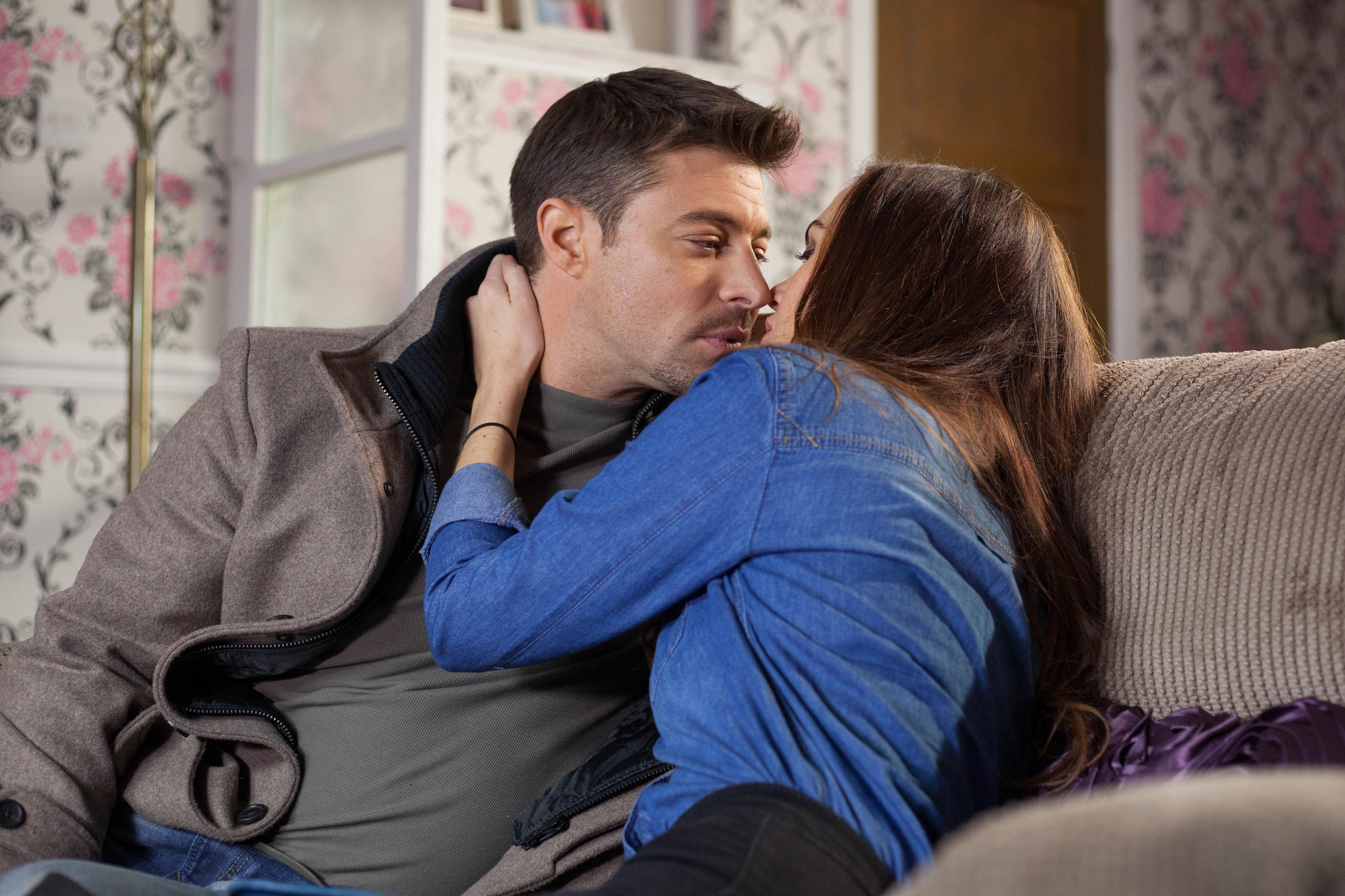 Ryan and Mercedes kiss in Hollyoaks