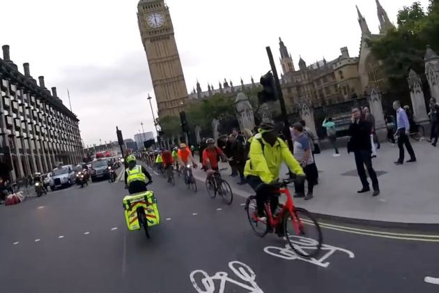 london-cycle-superhighway-video-still_youtube-sw19cam-2