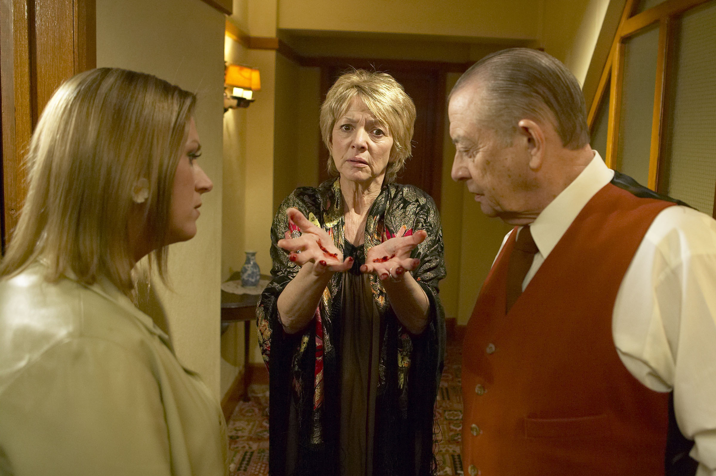 Does Rosa know who killed the vicar's wife?
