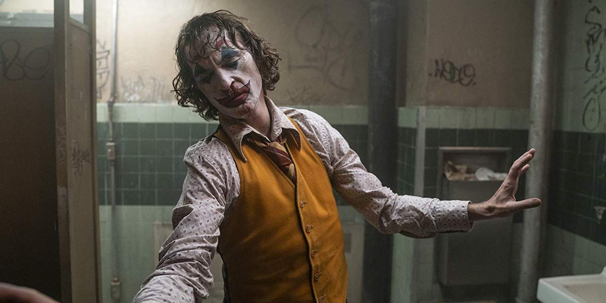 Joaquin Phoenix bathroom dance in Joker