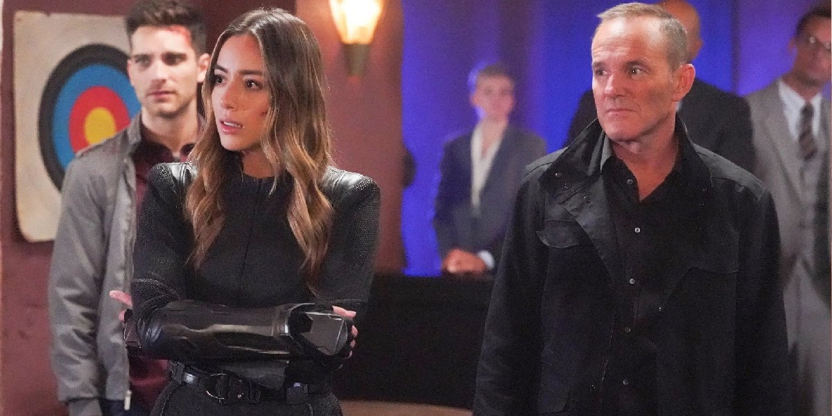 Jeff Ward as Deke, Chloe Bennet as Daisy Johnson and Clark Gregg as Phil Coulson in Agents of S.H.I.E.L.D.