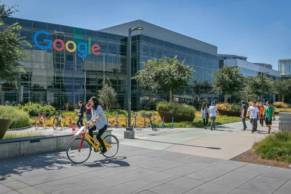 Google co-founders Larry Page and Sergey Brin step down as Alphabet CEO and president