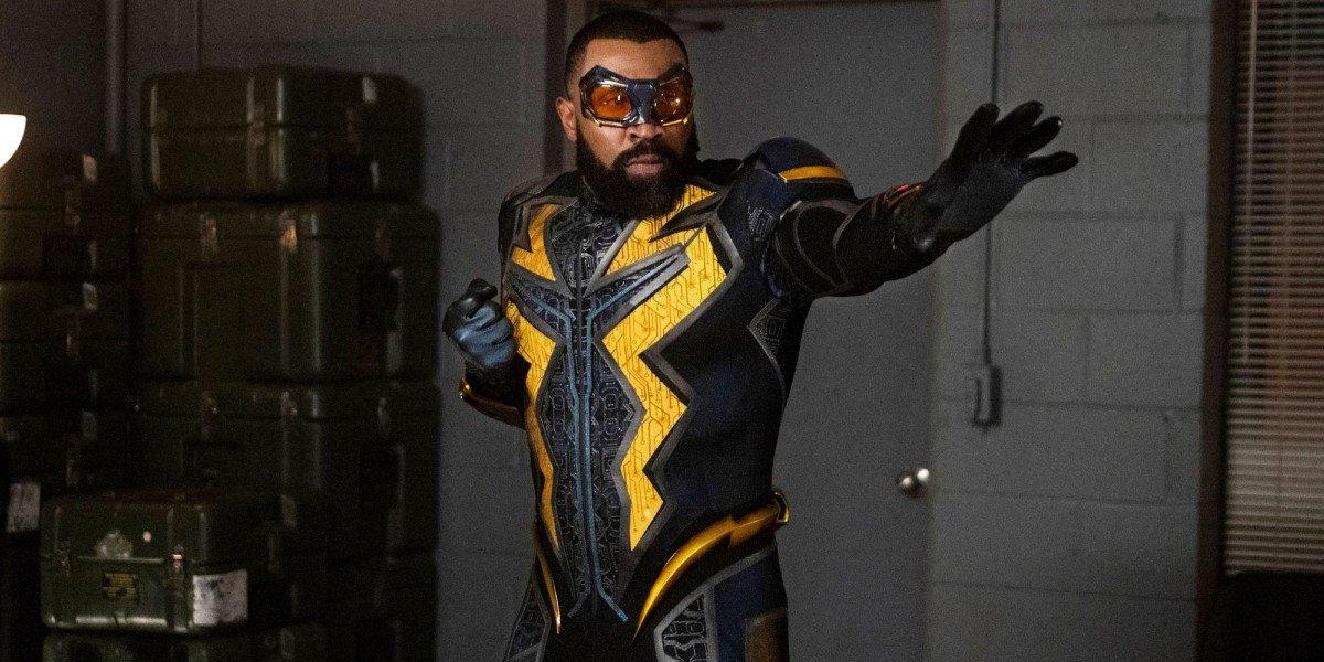 Black Lightning (Cress Williams) prepares for action