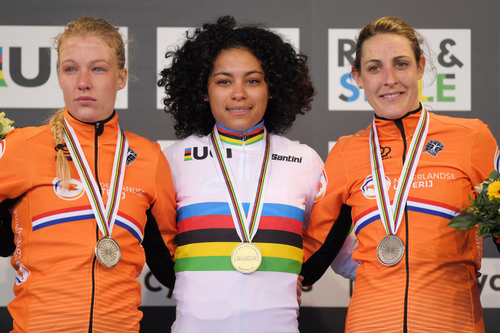 Ceylin Del Carmen Alvarado (Netherlands) captured the world title at the UCI Cyclo-cross World championships in Dübendorf, Switzerland.