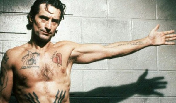 Robert De Niro holding out his hand in Cape Fear