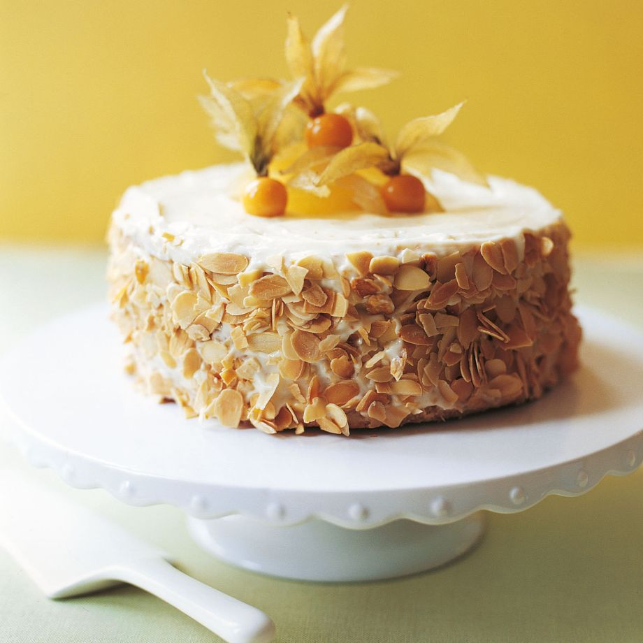 Lemon And Almond Cake With Amaretto