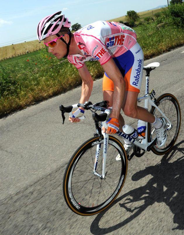 Pieter Weening leads, Giro d'Italia 2011, stage six