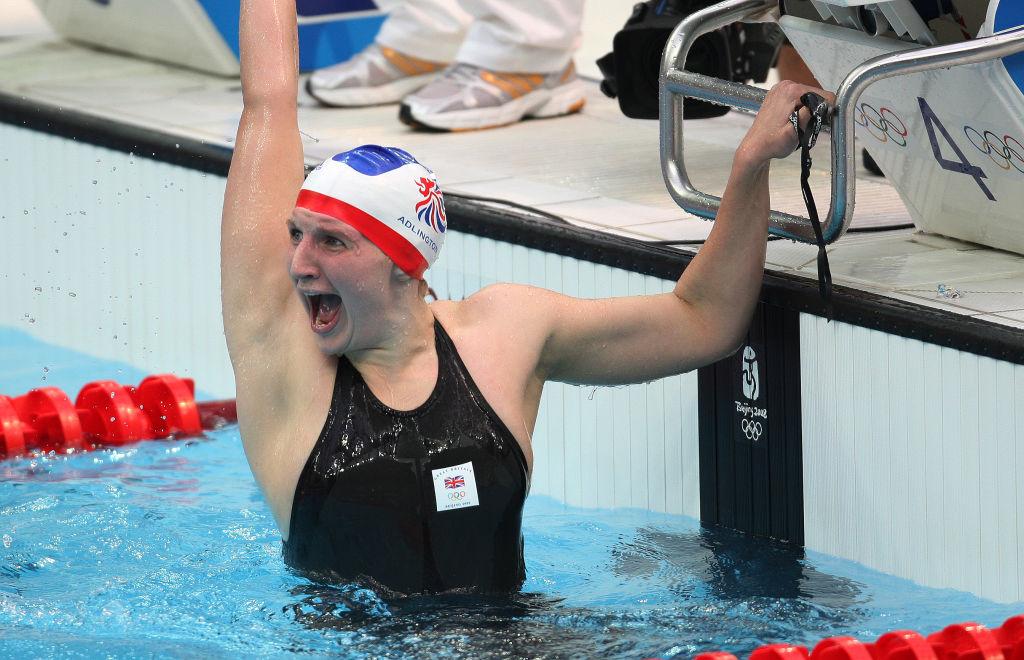 Rebecca Adlington gana el oro en los Juegos Olímpicos de Beijing.