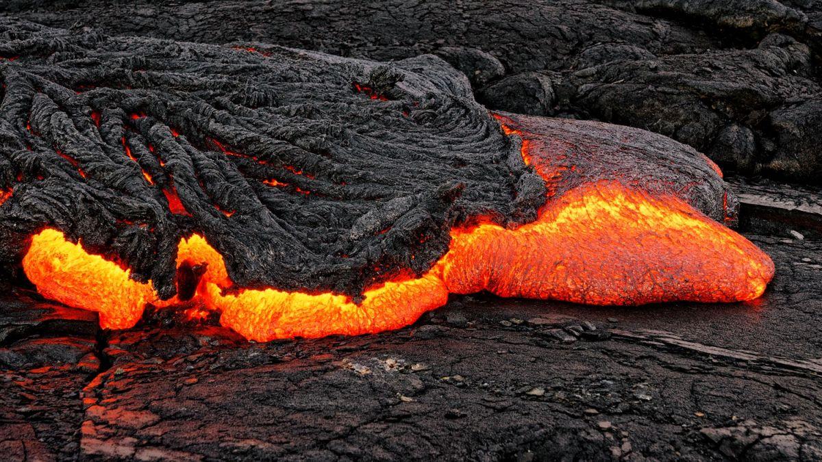 A Tiny Magma Blob May Rewrite Earth's History of Plate Tectonics