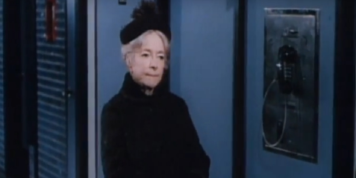 Helen Hayes in Airport