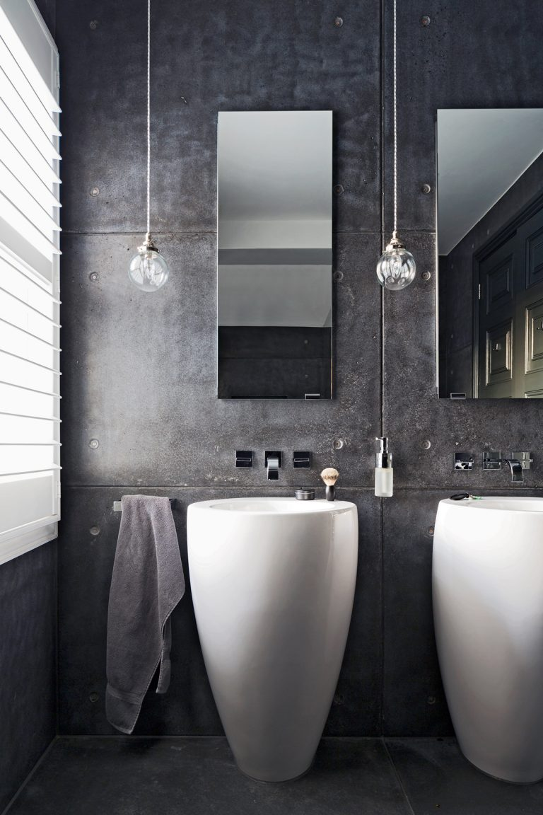 Small Cloakroom Toilet Black