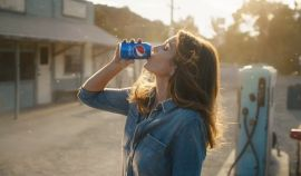 Pepsi Brought Back Cindy Crawford, Uncle Drew, And More For Super Bowl Commercial