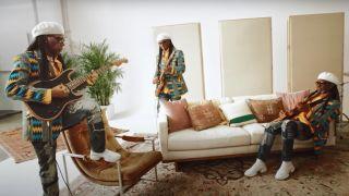 Nile Rodgers plays the Fender Acoustasonic Strat