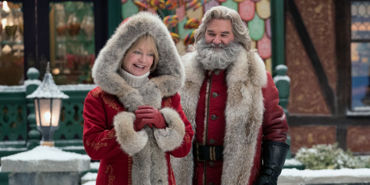 The Christmas Chronicles 2 Mrs. Claus and Santa smiling in the square