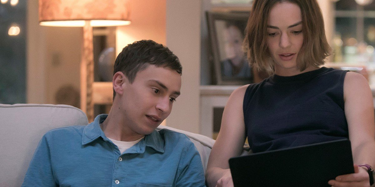 Keir Gilchrist and Brigette Lundy-Paine in ATypical
