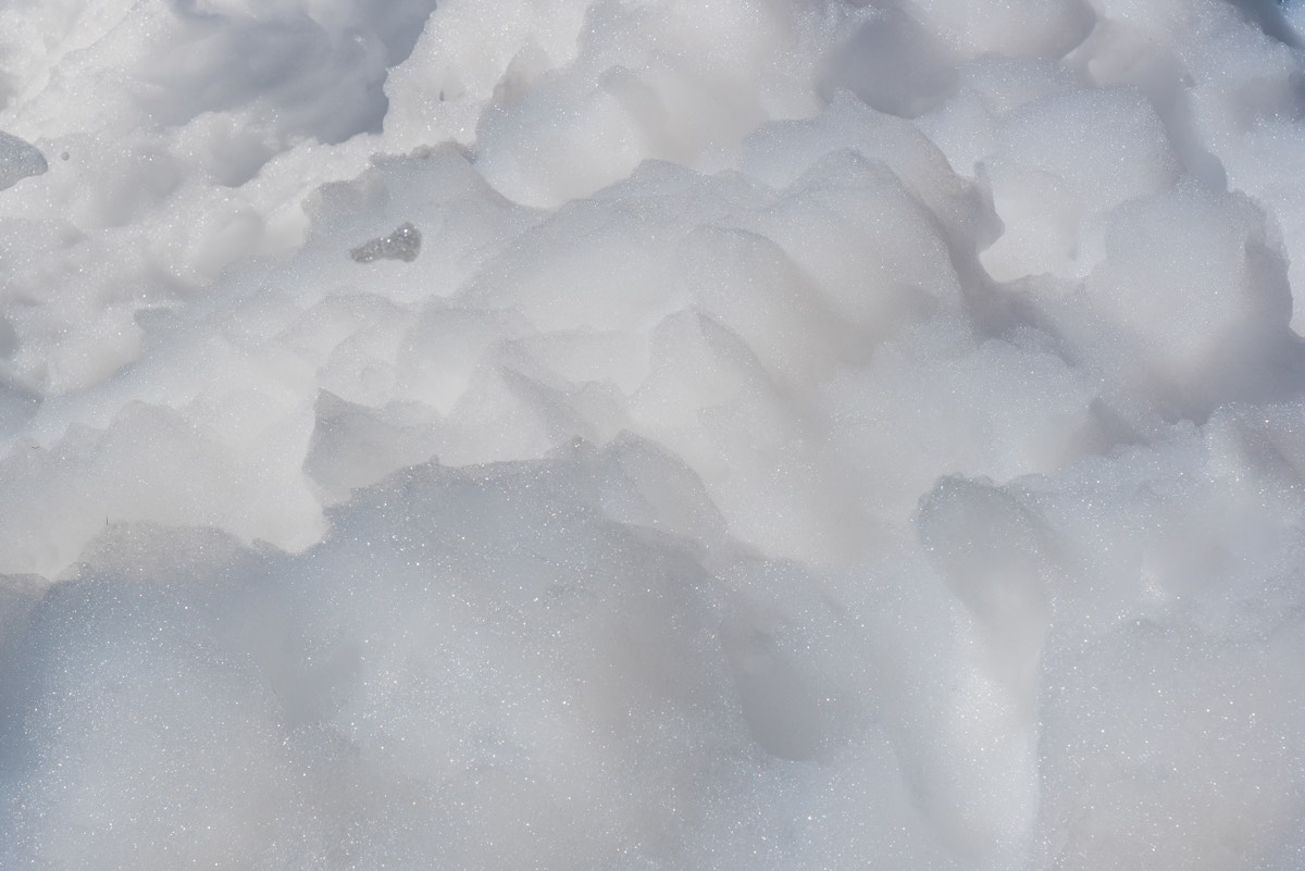 How Did These Kids Make a Towering Bubble Bath Igloo? | Live