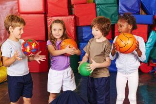 preschoolers with balls
