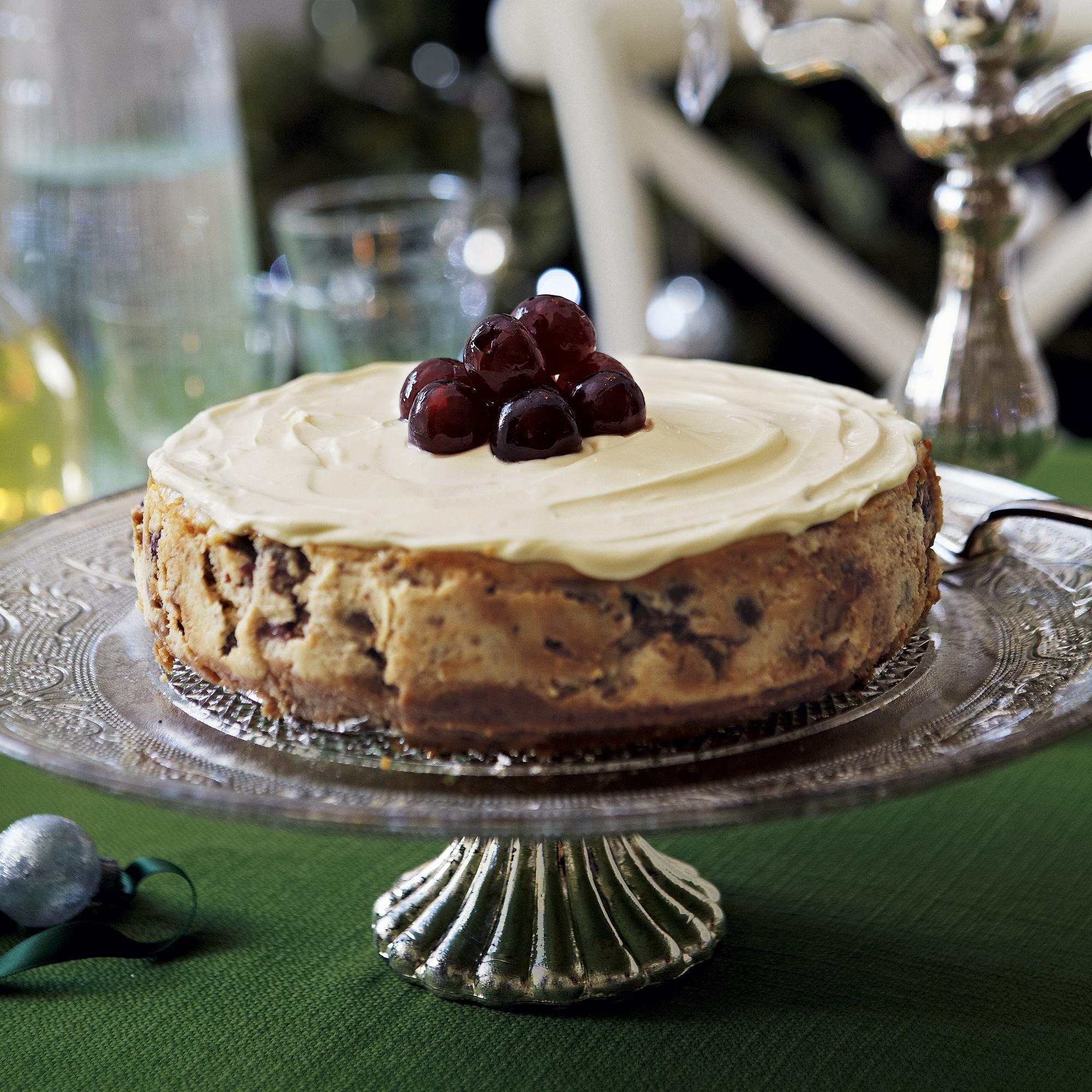 Christmas Cheesecake.Christmas Cheesecake With Soaked Fruits