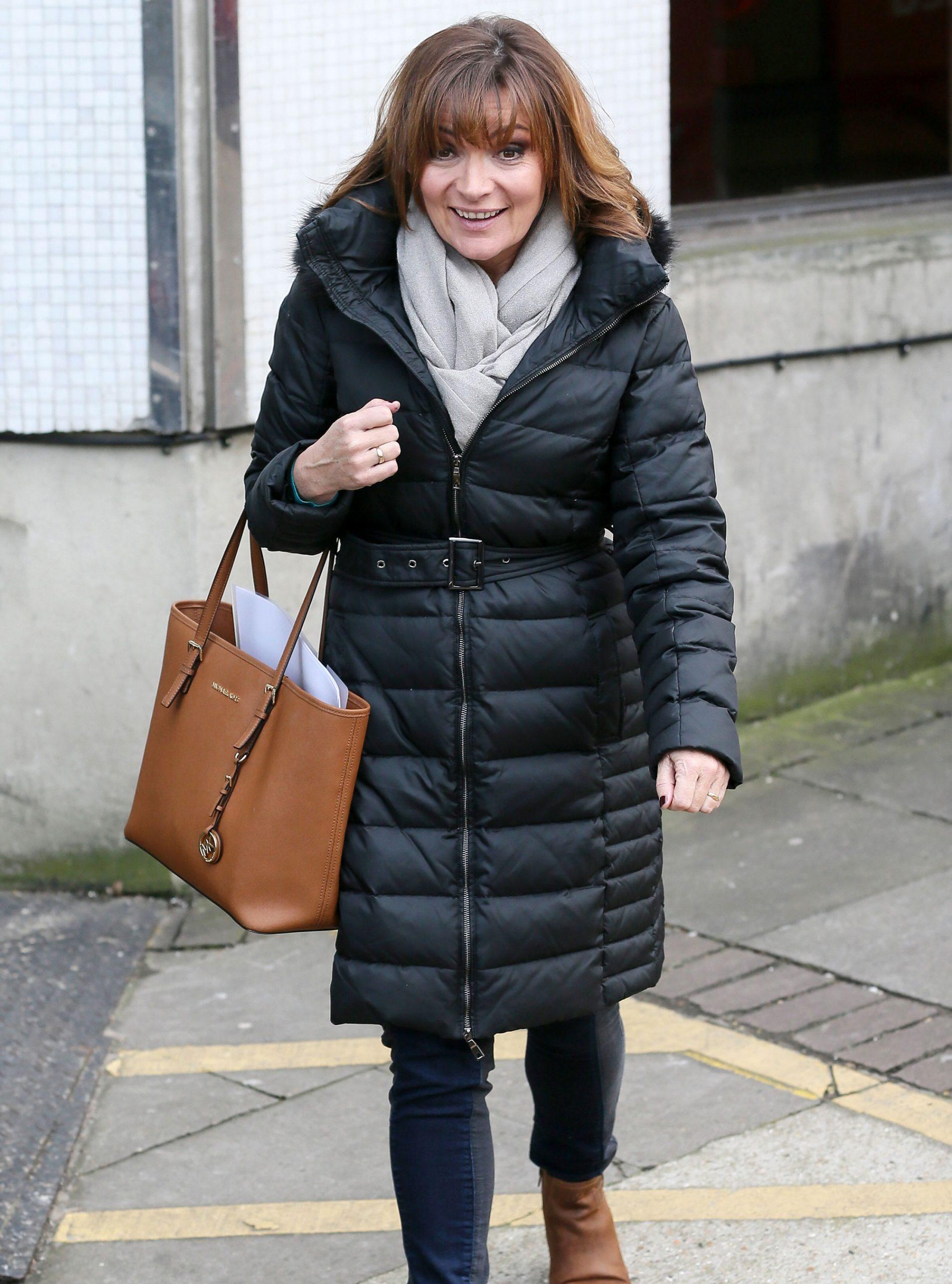 Lorraine-Kelly-puffa-coat.jpg