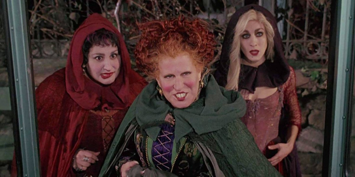Kathy Najimy, Bette Midler, and Sarah Jessica Parker in Hocus Pocus