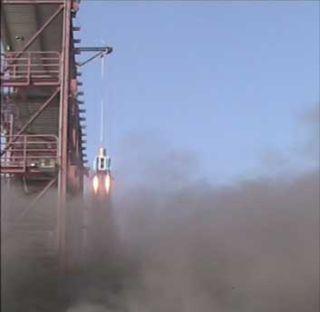 Prototype Moon Lander Takes Test Flight