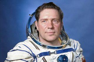 obituary vladimir lyakhov cosmonaut