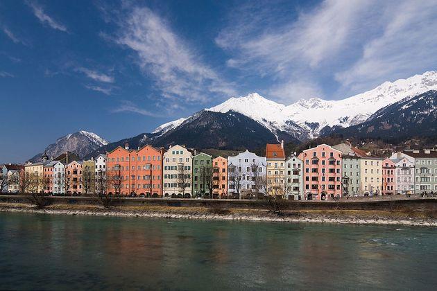 1024px-Innsbruck_Flusspromenade