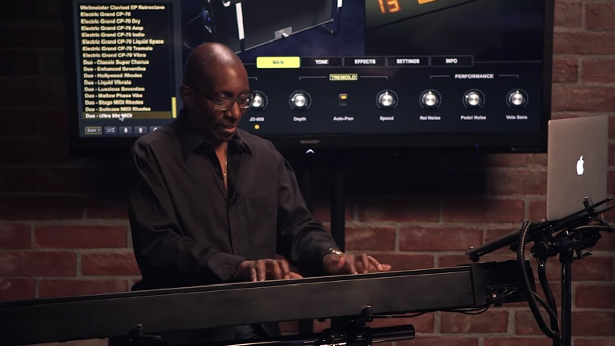 Greg Phillinganes plays 21 classic electric piano tracks