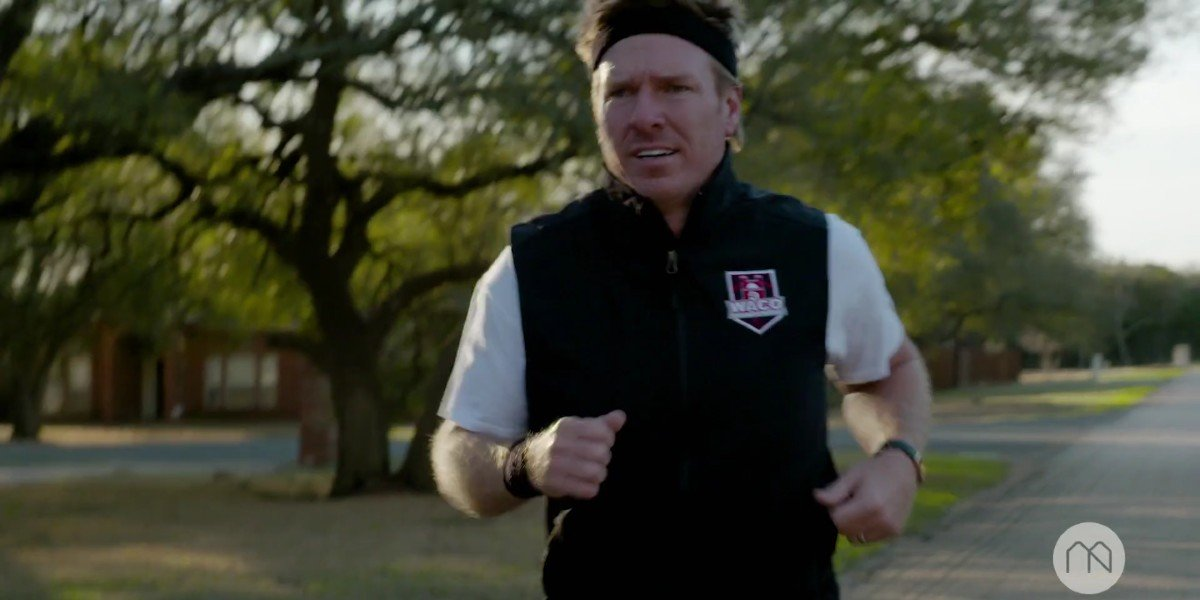 Chip Gaines in the Courage To Run with Chip Gaines and Gabe Grunewald