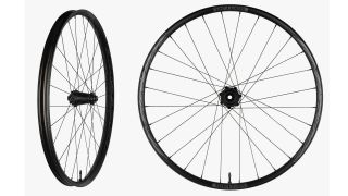 Turbine R 35 is a more affordable enduro wheelset