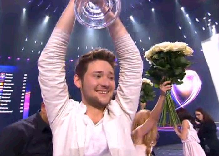Azerbaijan win 2011 Eurovision Song Contest!