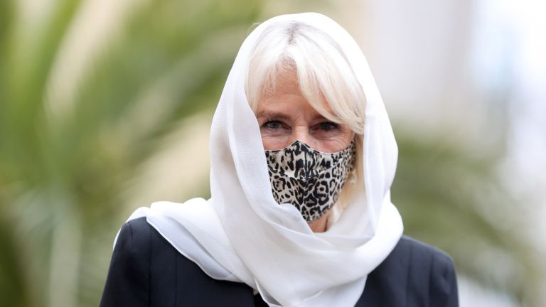 Duchess Camilla wearing a facemask
