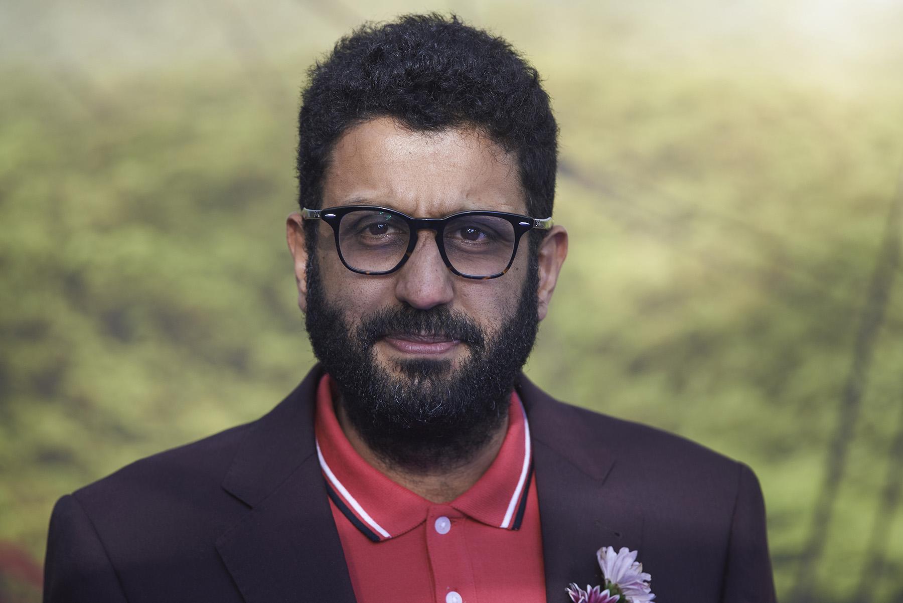 En Robin Robin Papa Mouse es interpretado por Adeel Akhtar.