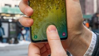 Samsung says use the Galaxy S10 fingerprint scanner not face unlock