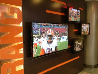 VIZIONefx Digital Signage for Syracuse Football Wing