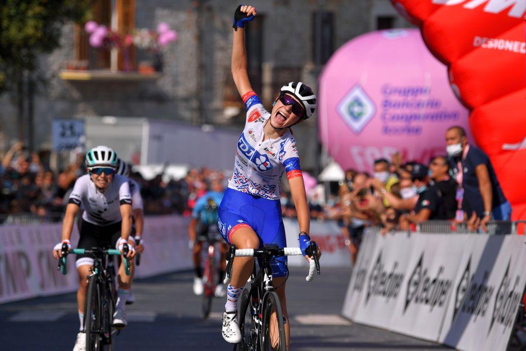 Evita Muzic wins French women's road race title