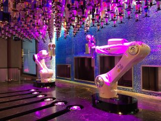 Vegas' Tipsy Robot Blends Technology and Mixology