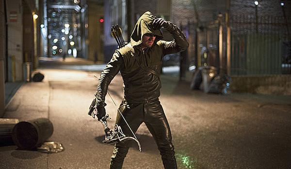 Stephen Amell Arrow Season 3 costume