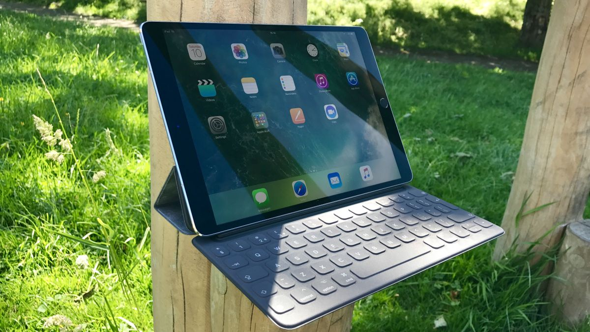 ipad pro 2018 leak reveals potential design and face id. Black Bedroom Furniture Sets. Home Design Ideas