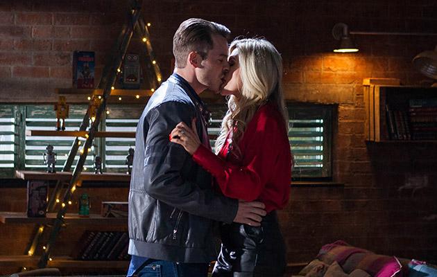 Mandy Morgan and Darren Osborne continue their affair in the bean in Hollyoaks