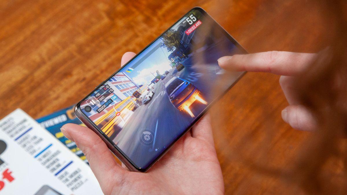 Galaxy S11 may boast 120Hz display according to Samsung's latest OS