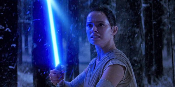 rey's lightsaber in the force awakens