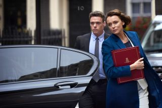 Best BBC series on Netflix - Richard Madden and Keeley Hawes as bodyguard David Budd and government minister Julia Montague.