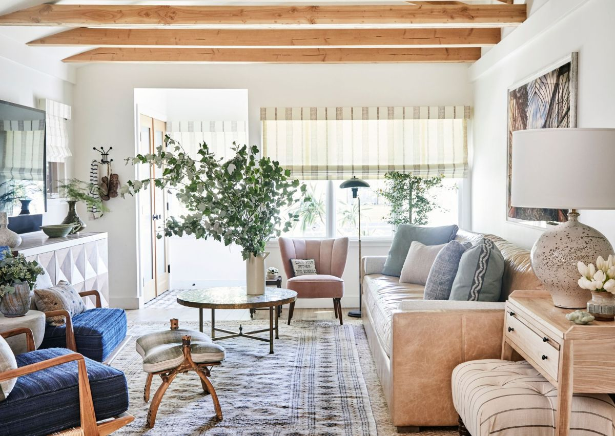 Small Living Room Decor Ideas How To Decorate A Small Sitting Room Or Lounge Homes Gardens