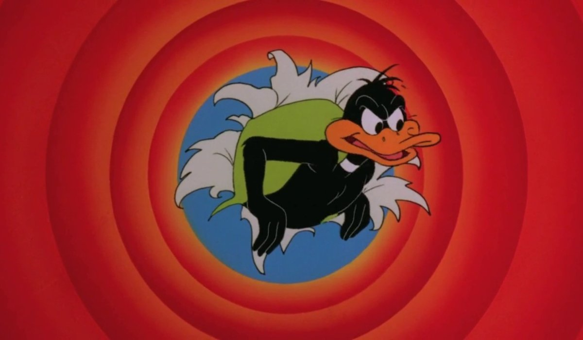 Gremlins 2: The New Batch Daffy Duck taking over the closing