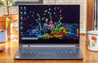 La mejor computadora portátil 2 en 1 con pantalla de 14 pulgadas: Lenovo Yoga C930