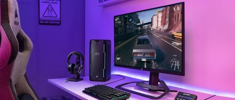 Corsair Xeneon 32QHD165 being used for gaming