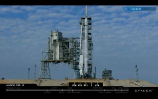 Dragon, Falcon 9 Just Before Liftoff