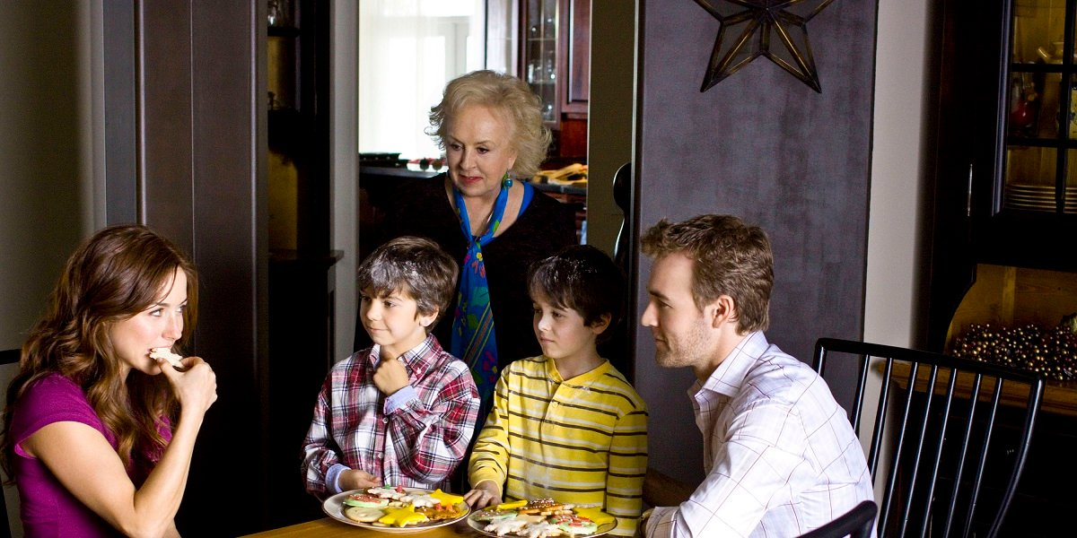 James Van Der Beek and Doris Roberts in Hallmark's Mrs. Miracles
